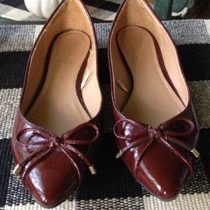 EUC! Size 8.5 Women's Burgundy Dress shoes flats